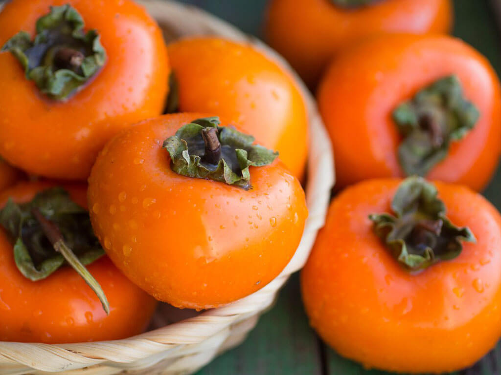 Хурма  польза вред и противопоказания калорийность